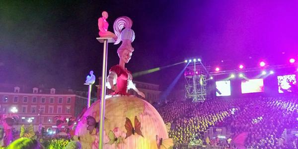 Konigin Carnaval illumine