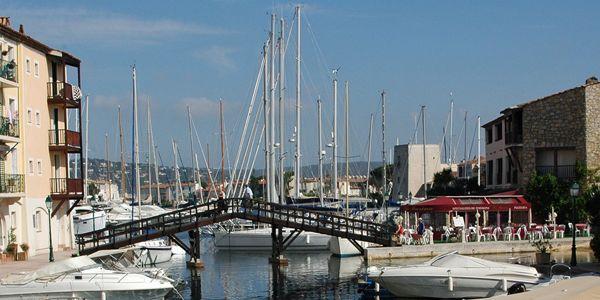 Port Grimaud met boten